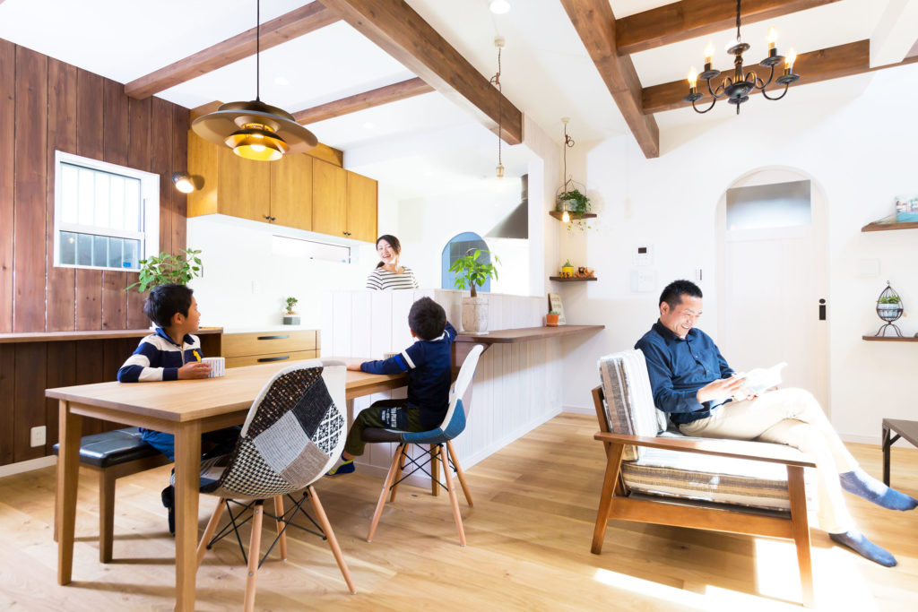 おしゃれな木製キッチンがあるお家