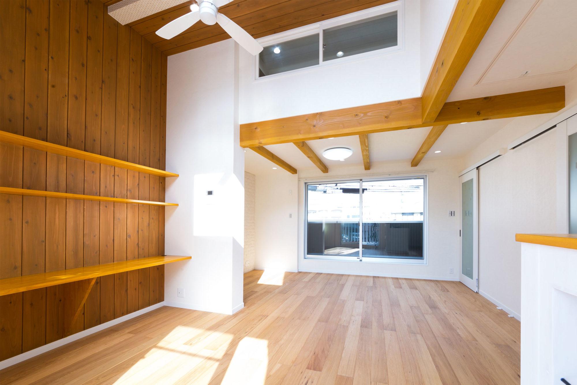 高い天井で開放的なお家
