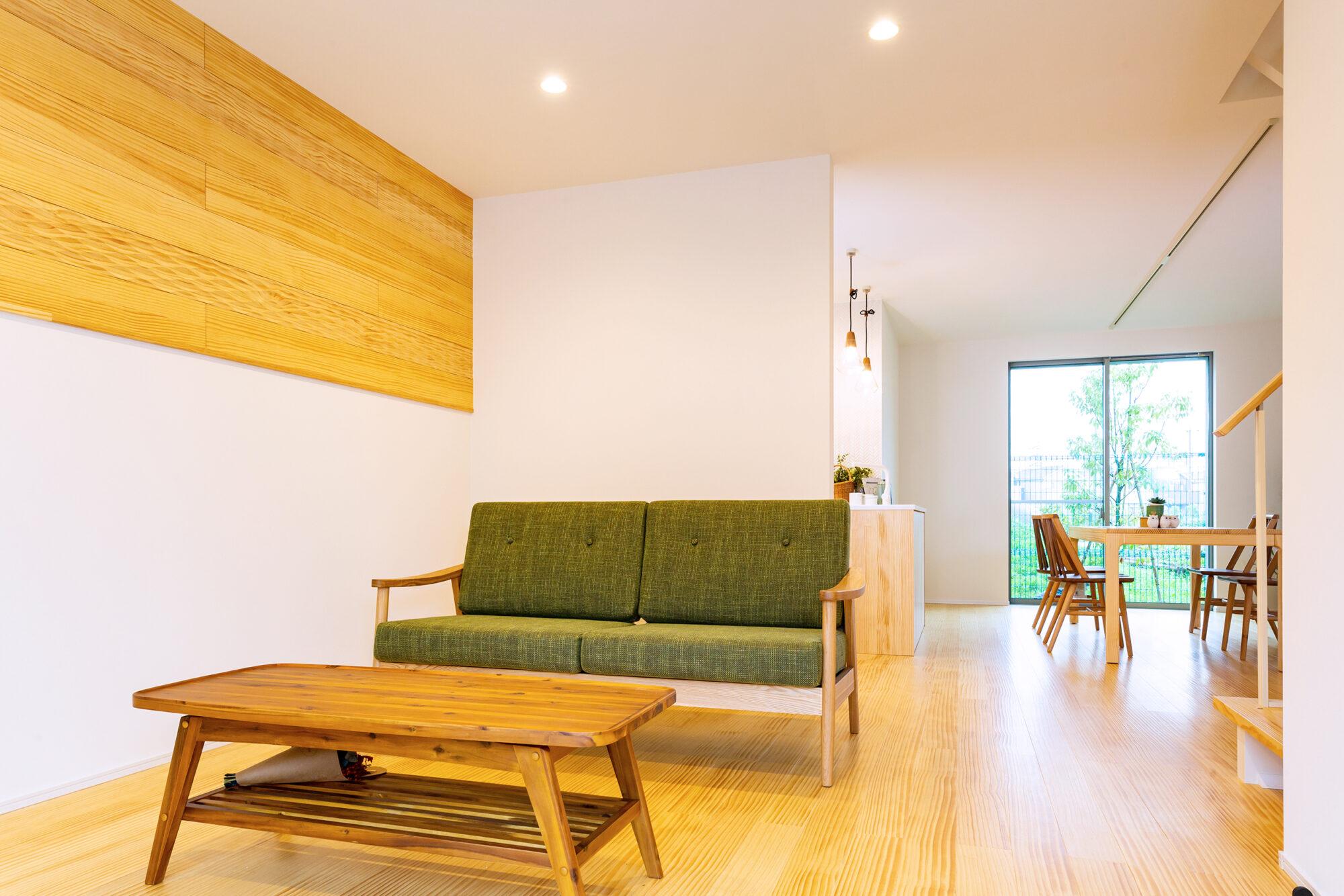 天然無垢材で広々空間のお家