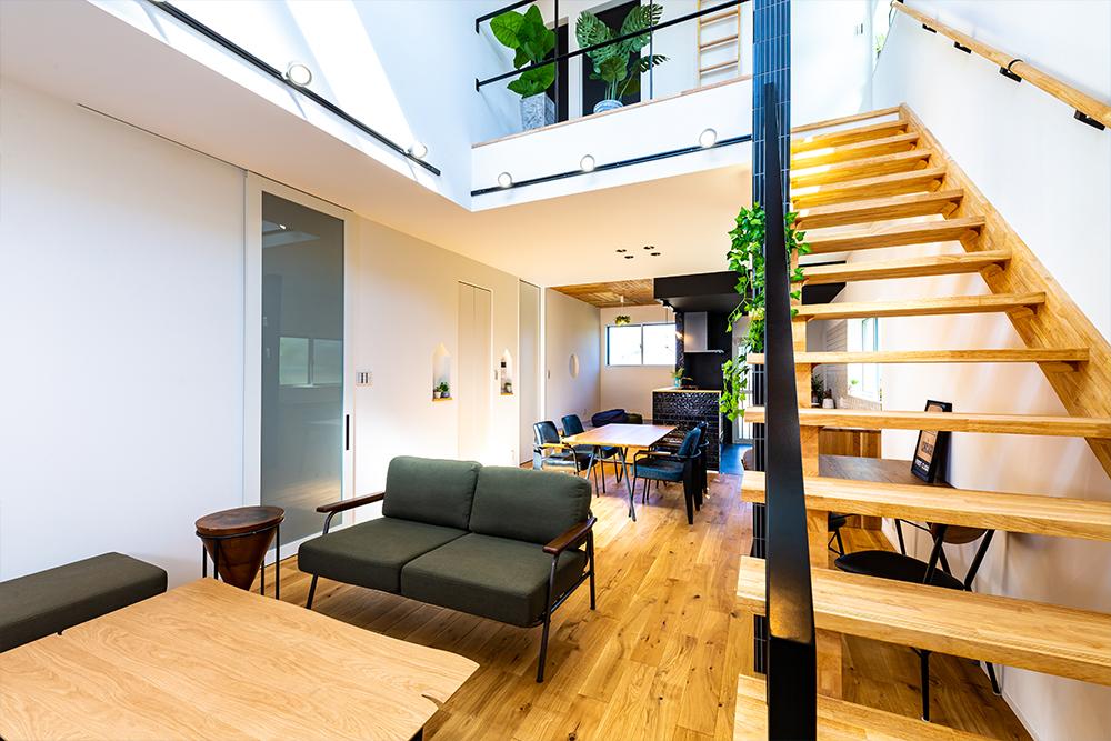 スケルトン階段で開放感のあるリビングのお家です!