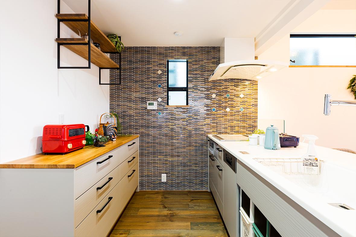 奥様こだわりの可愛い内装と、使い勝手の良いキッチンのあるお家です!