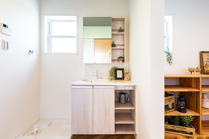 洗面室と便利なサンルーム